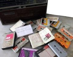 Más de 30 cintas de cassette con grabaciones de coplas y parodias entre vecinos que grabó El Torrero.